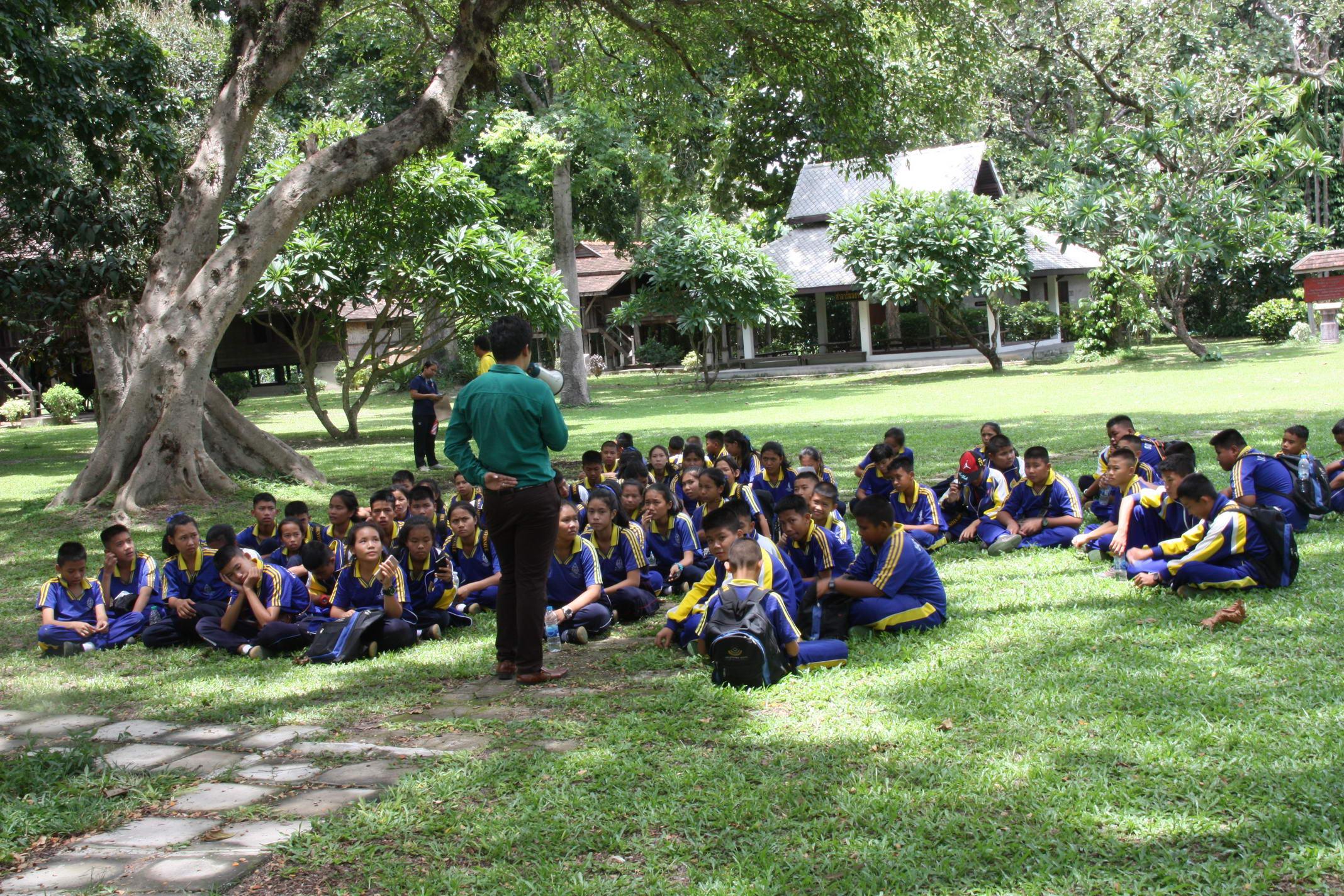 ให้การต้อนรับคณาจารย์และนักเรียนจากโรงเรียนบ้านสันต้นหมื้อ