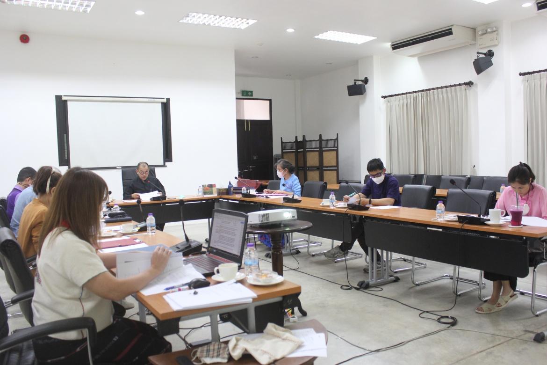 ประชุมคณะกรรมการตรวจรับพัสดุ และผู้ควบคุมงาน งานจ้างปลูกสร้างเรือนฝาไหล (เรือนแม่นายคำเที่ยง)  ครั้งที่ 4 /2563