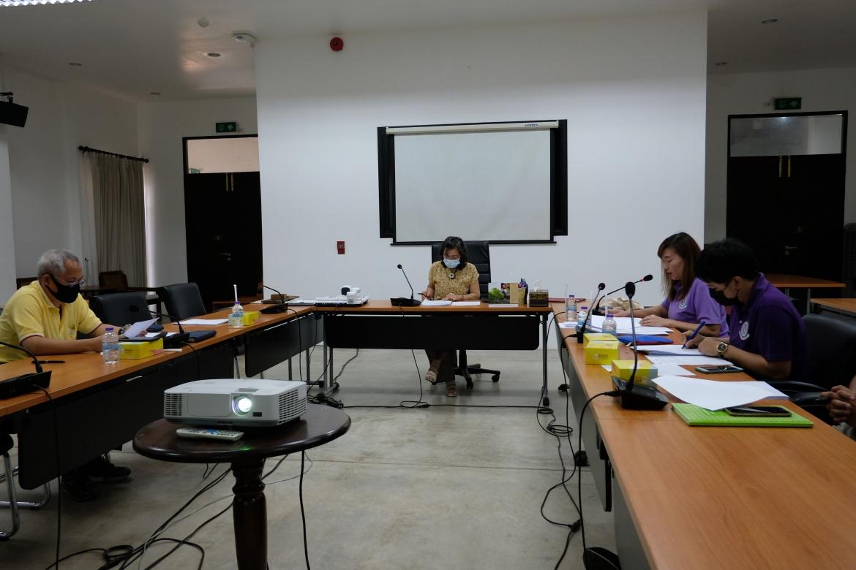 การประชุมคณะกรรมการตรวจรับพัสดุและผู้ควบคุมงาน งานจ้างปรับปรุงซ่อมแซมเรือนกาแล (อุุ๊ยผัด ครั้งที่ 1/2563)
