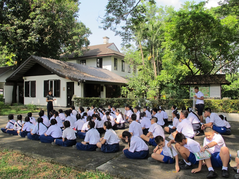 ให้การต้อนรับคณาจารย์และนักเรียนจากโรงเรียนเทพบดินทร์วิทยาเชียงใหม่ ที่เข้ามาทัศนศึกษา มช.