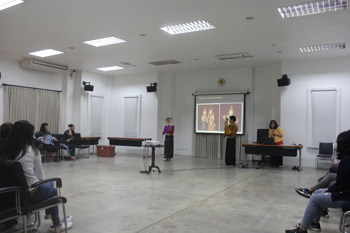บรรยายในหัวข้อ Introduction to Thai Dancing Thai Lanna Dancing และ Introduction to Thai Puppetry