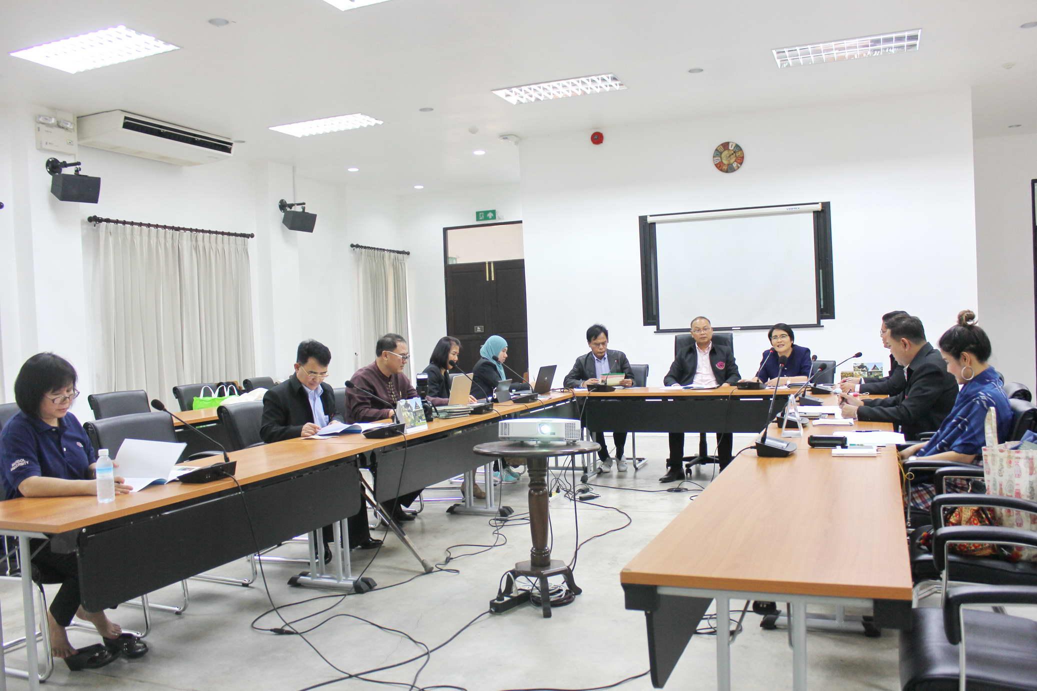 ให้การต้อนรับคณะกรรมการบริหารที่ประชุมสภาข้าราชการ พนักงาน และลูกจ้างมหาวิทยาลัยแห่งประเทศไทย