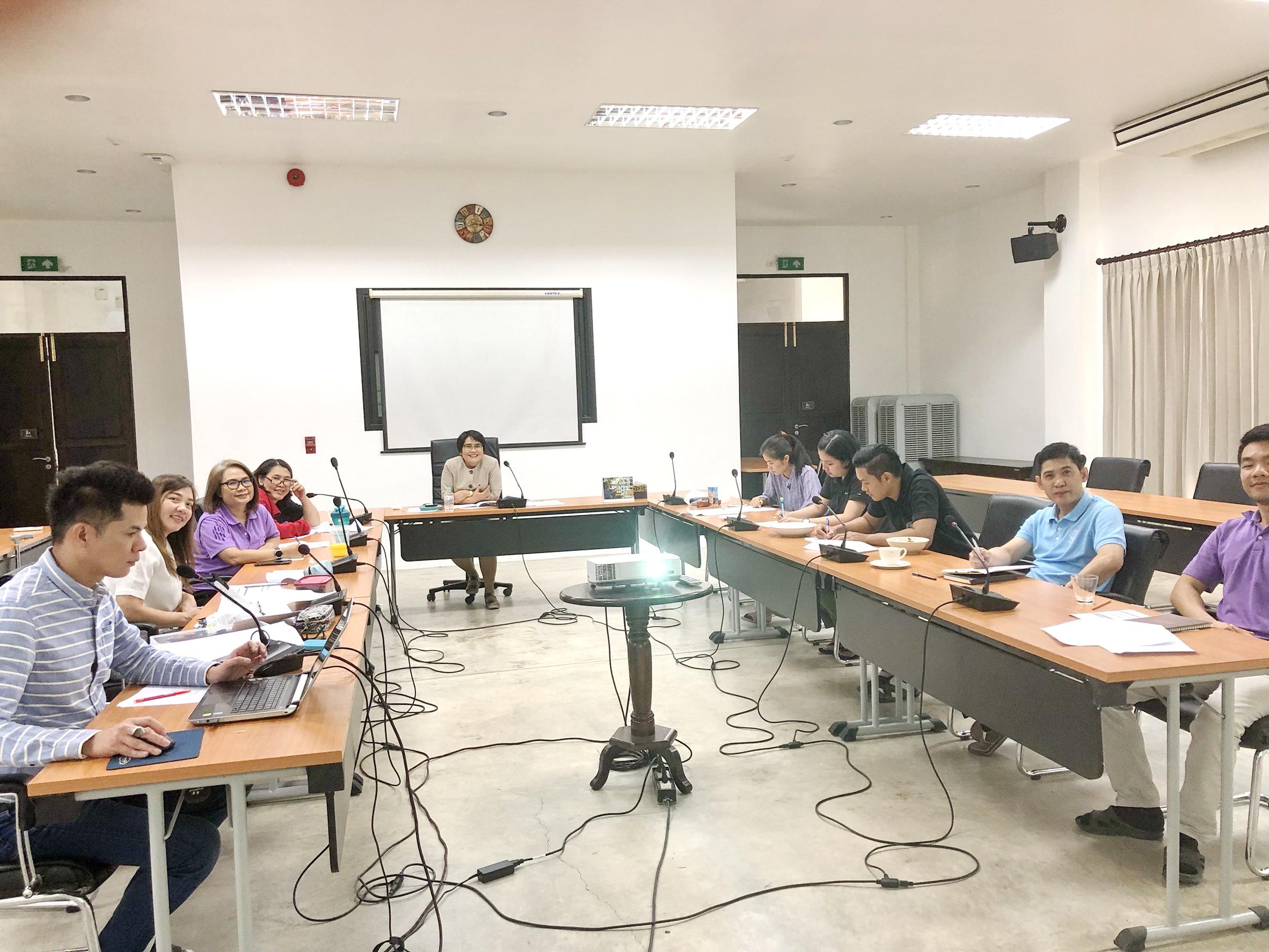 การประชุมพิจารณาตัวชี้วัดคำรับรองการปฏิบัติงานของสำนักฯ และตัวชี้วัดแผนยุทธศาสตร์สำนักฯ