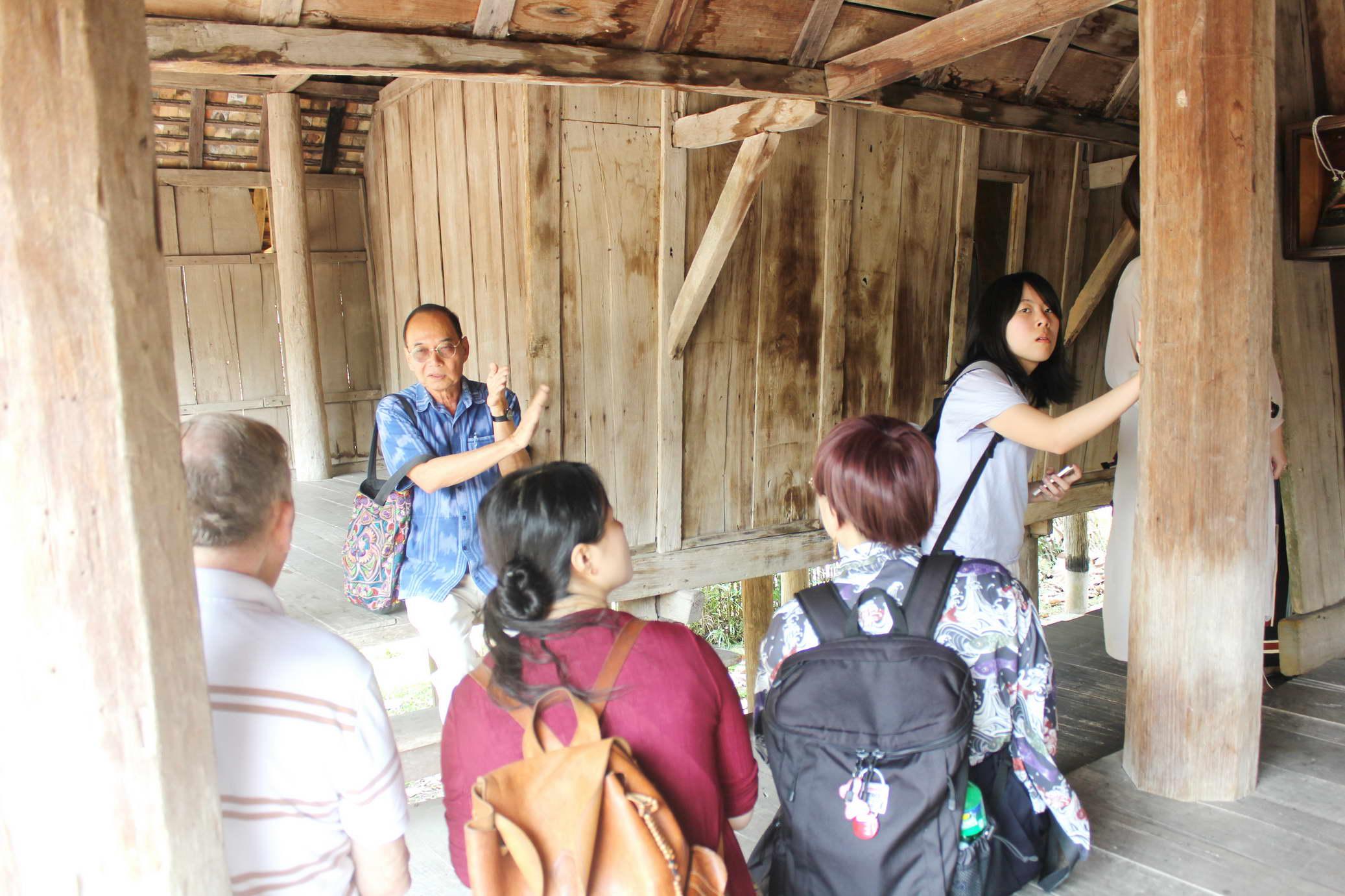 การบรรยายและทัศนศึกษาด้านศิลปวัฒนธรรม ในหัวข้อ Lanna Art and Culture : Today and the Past