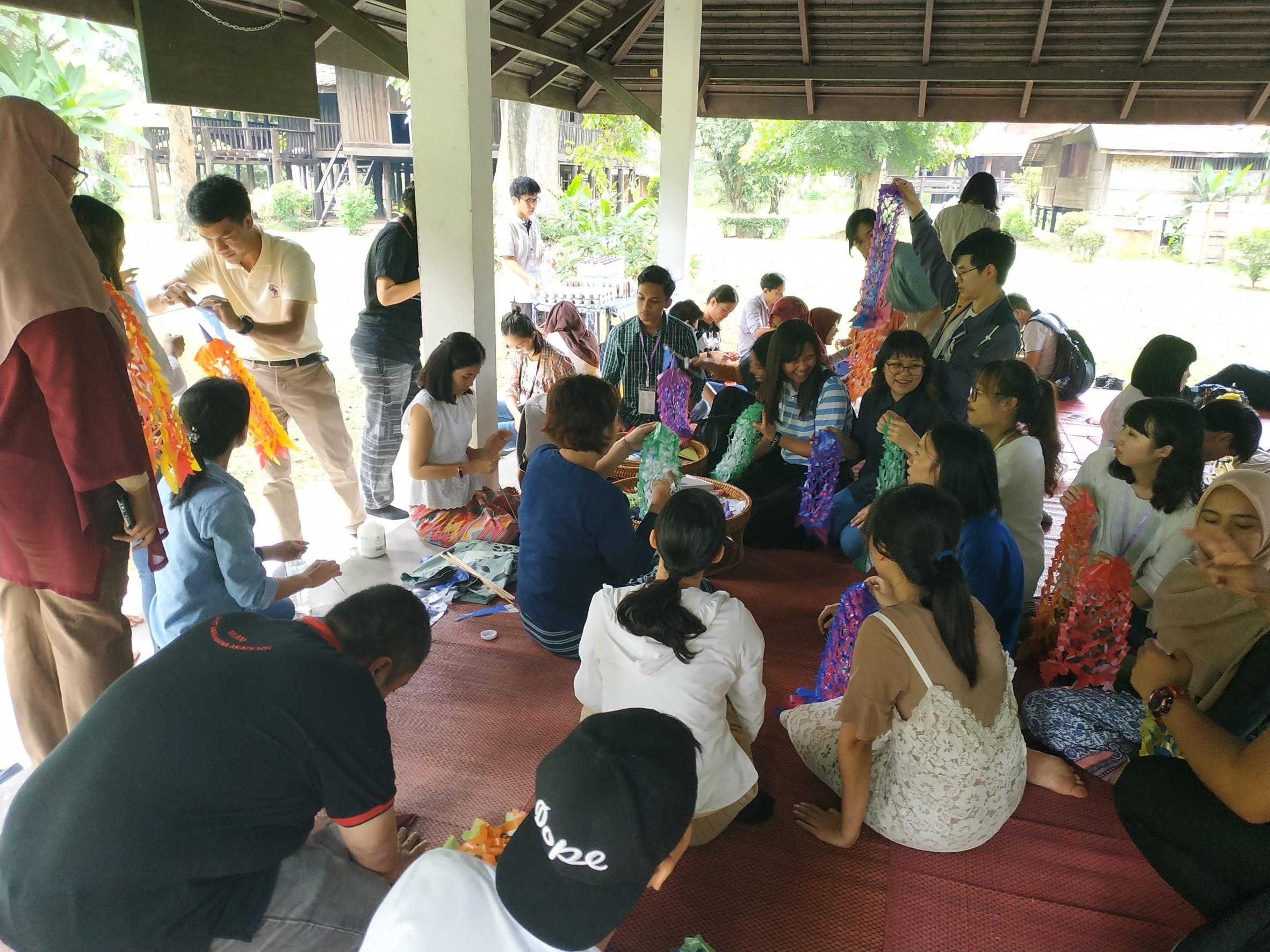 สำนักส่งเสริมศิลปวัฒนธรรม จัดกิจกรรมด้านศิลปวัฒนธรรมให้แก่ผู้เข้าร่วมประชุมทางวิชาการร่วมกับมหาวิทยาลัยเครือข่ายอาเซียน(The 2nd UUM-CMU-USM International Student Conference)