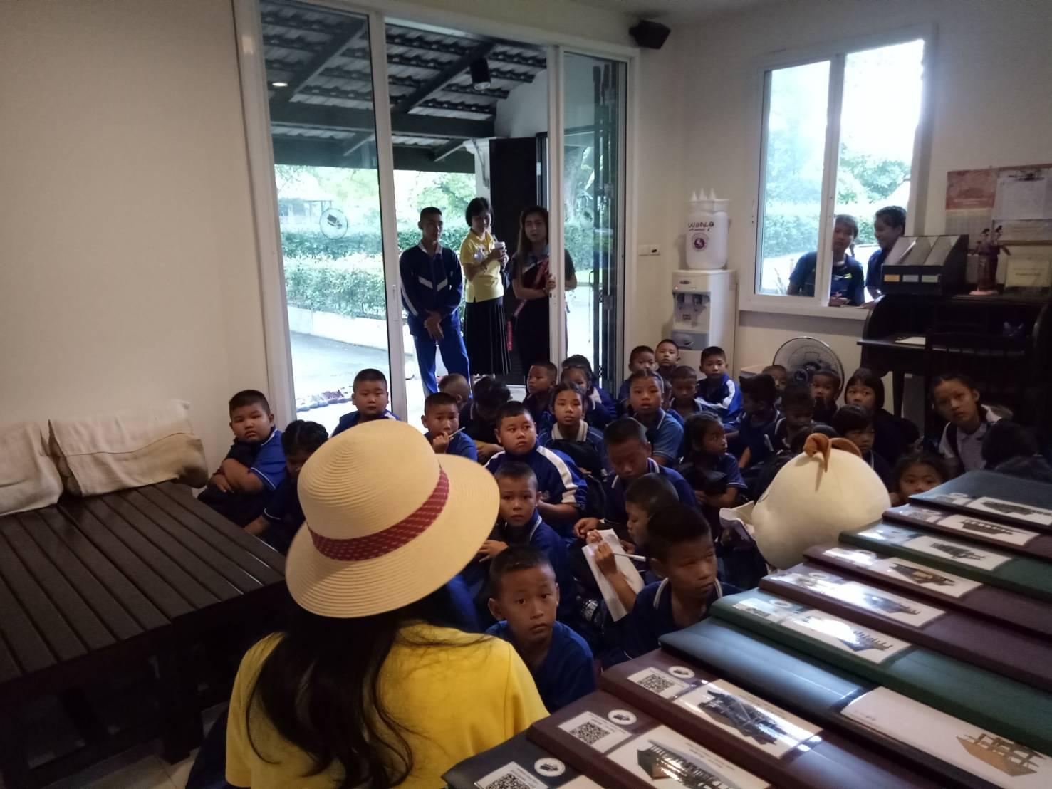 คณะครูและนักเรียนจากโรงเรียนป่าตาลเข้าทัศนศึกษาพิพิธภัณฑ์เรือนโบราณล้านนา