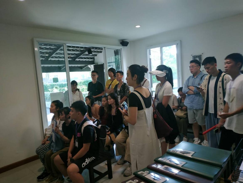 ได้ให้การต้อนรับคณาจารย์และนักศึกษาจาก Guangxi Arts University ที่เข้าเยี่ยมชม ทัศนศึกษาพิพิธภัณฑ์เรือนโบราณล้านนา มช.