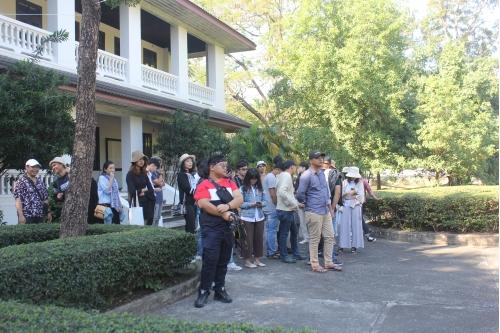 คณาจารย์และนักศึกษาจากมหาวิทยาลัยอัสสัมชัญ เยี่ยมชมพิพิธภัณฑ์เรือนโบราณล้านนา มช.