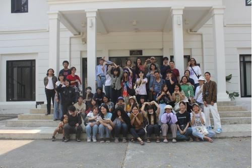 คณาจารย์และนักศึกษาจากภาควิชาประยุกต์ศิลป์ศึกษา คณะมัณฑนศิลป์ มหาวิทยาลัยศิลปากร เยี่ยมชมพิพิธภัณฑ์เรือนโบราณล้านนา มช.