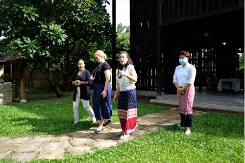 ให้การต้อนรับคุณ Lydia Barraza ผู้ช่วยทูตฝ่ายวัฒนธรรมและการศึกษา สถานเอกอัครราชทูตสหรัฐอเมริกาประจำประเทศไทย