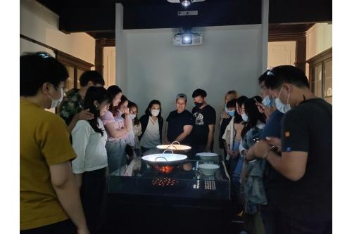 คณาจารย์และนักศึกษาคณะสถาปัตยกรรมศาสตร์ มหาวิทยาลัยพะเยา เข้าศึกษาดูงานพิพิธภัณฑ์เรือนโบราณล้านนา มช.