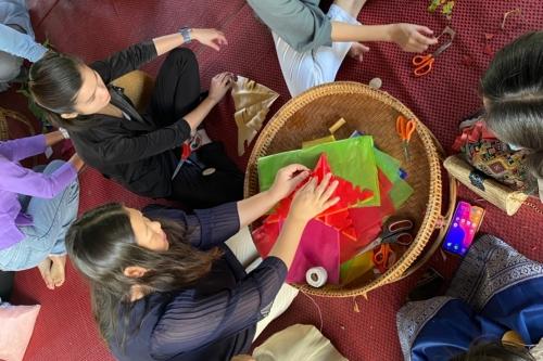 นักศึกษาจากบัณฑิตวิทยาลัย มช. ทัศนศึกษาและทำกิจกรรมด้านศิลปวัฒนธรรม ณ พิพิธภัณฑ์เรือนโบราณล้านนา มช.