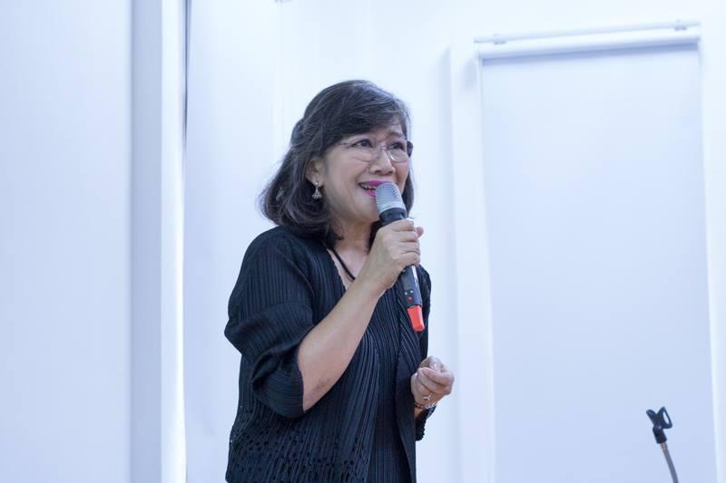 """การบรรยาย ในหัวข้อ """"Chiang Mai Hobby Hut Puppet Troupe on the World Stage and the Living Museum"""" โดย ผู้ช่วยศาสตราจารย์วิลาวัณย์ เศวตเศรนี รักษาการแทนผู้อำนวยการสำนักส่งเสริมศิลปวัฒนธรรม มหาวิทยาลัยเชียงใหม่"""