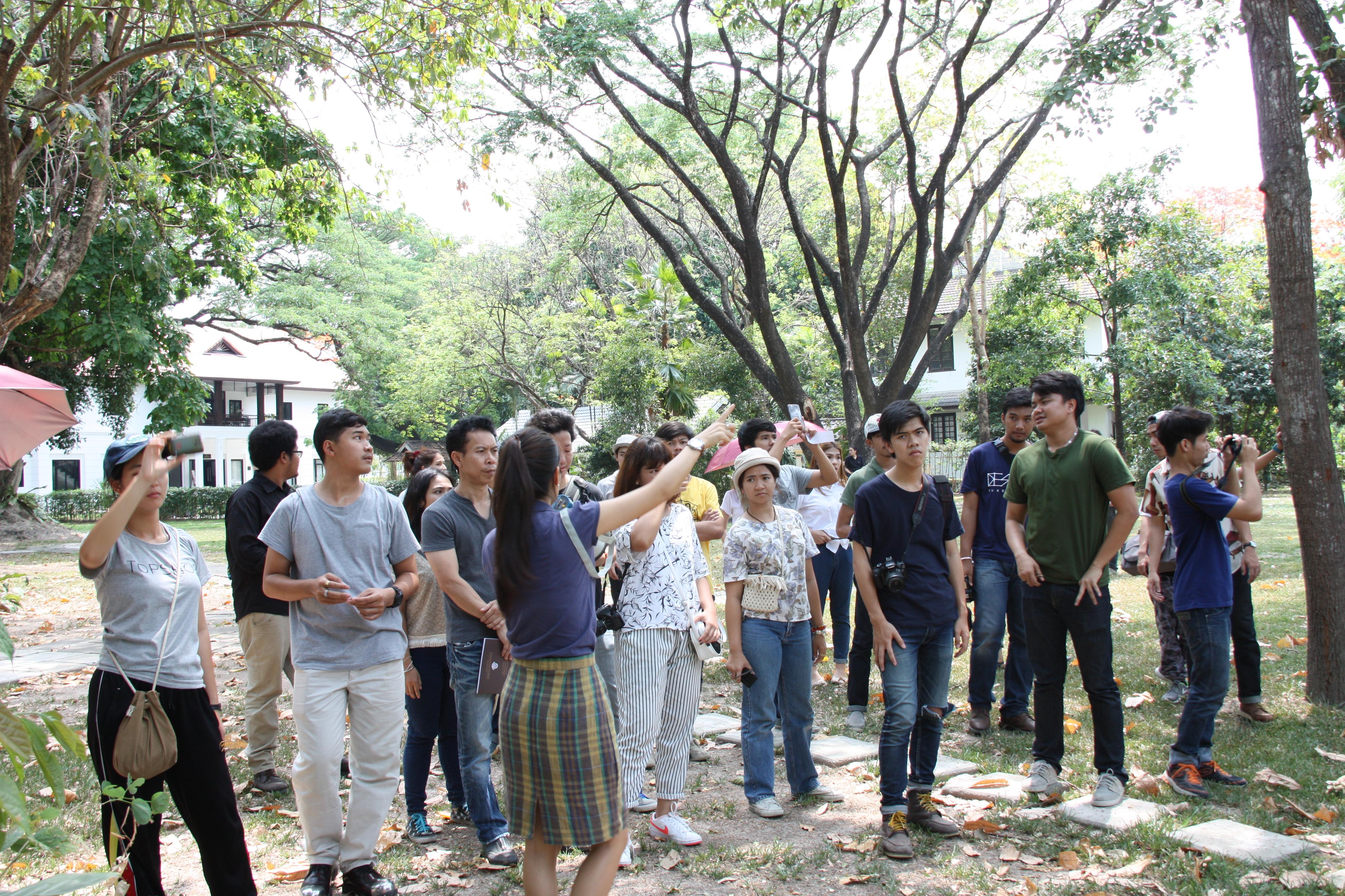 ให้การต้อนรับคณาจารย์และนักศึกษาคณะสถาปัตยกรรมศาสตร์ มหาวิทยาลัยเทคโนโลยีราชมงคลธัญบุรี